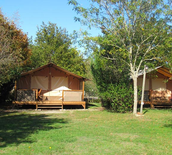 location dans camping a hourtain